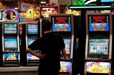 Игровые автоматы выигрыш смотреть слоты игровые автоматы онлайн на деньги играть на биткоин в azinobtc