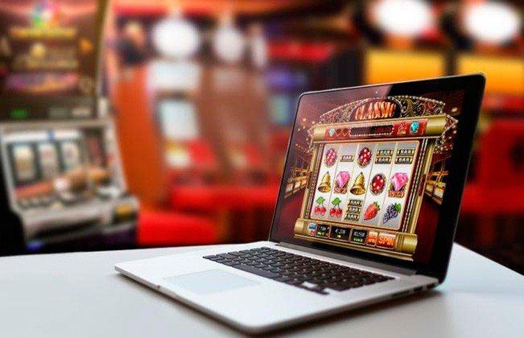 Игра в онлайн-казино на компьютере