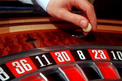кто играл в казино на красное и черное